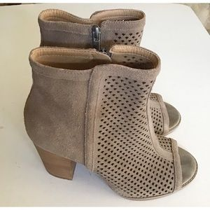 Lucky Brand Tan Cutout Ankle Boots Booties